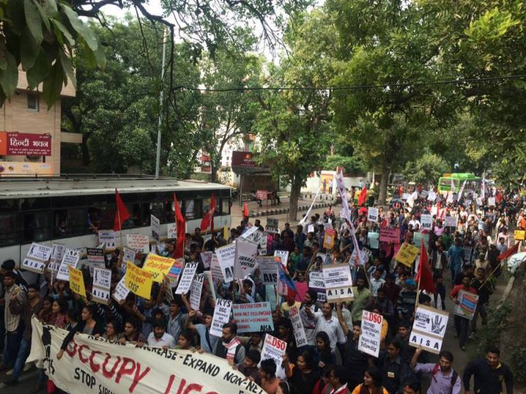A massive rally of protesting students in New Delhi demanding the continuation of Non-NET fellowships.